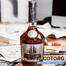 Hennessy VS Limited Edition by Scott Campbell gift box 0