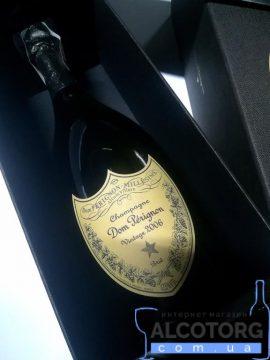 Шампанське Дом Періньон 2006 в коробці біле сухе