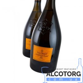 75 л. Шампанское Вдова Клико Ла Гранд Дам в коробке белое
