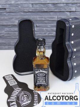 Віскі Джек Деніелс  у футлярі гітари